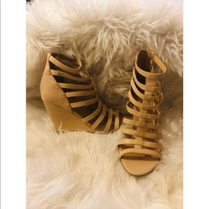 CAGED WEDGES